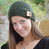 Lisa Ellis Designs H-29 Northwest Button Band Hat PDF