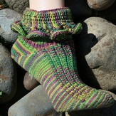 Gardiner Yarn Works Sunset Beach Socks PDF