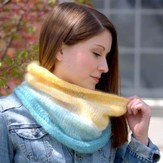 Plymouth Yarn F567 Gradation Knitting Cowl (Free)
