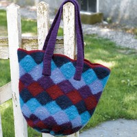 172 Felted Entrelac Bag (Free)