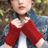 Valley Yarns 218 Velvet Curtain Cabled Gauntlets (Free)
